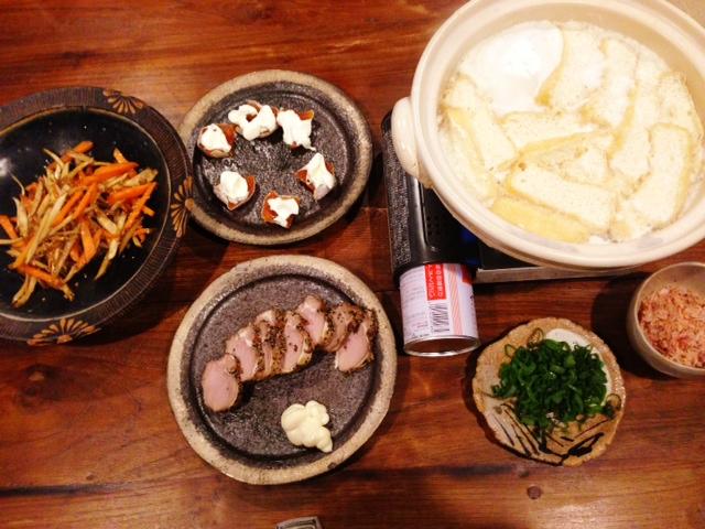 夫が作った晩ご飯:温泉湯豆腐_d0339885_13082224.jpg