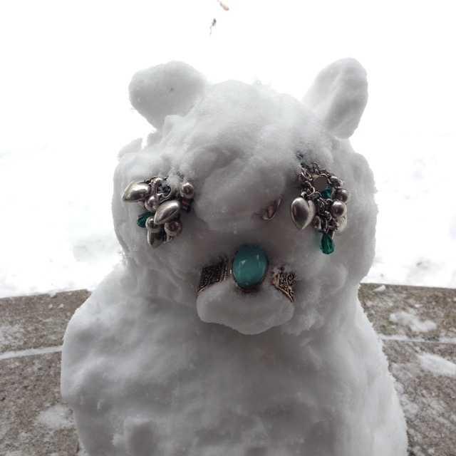 我ながらいい出来かもー♪愛犬たちの等身大雪だるま_d0339885_13083426.jpg