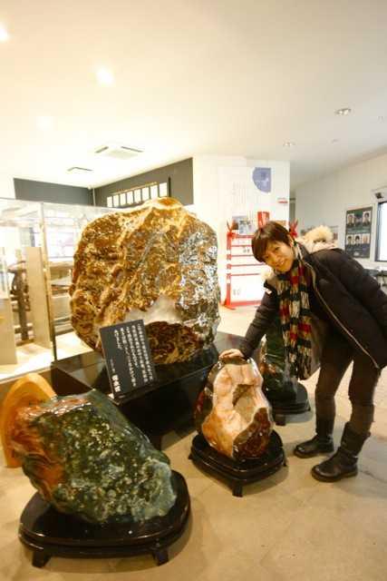 出雲の旅10:天然石ブレス作りは、青めのう産出の花仙山麓「伝承館」で_d0339885_13451912.jpg