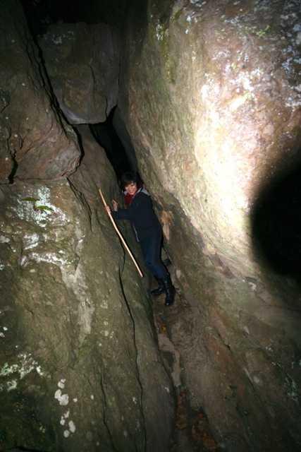 出雲の旅7:超難関!険しい石段&狭い岩の隙間を通らないと辿り着けない「韓竃神社」_d0339885_13452118.jpg
