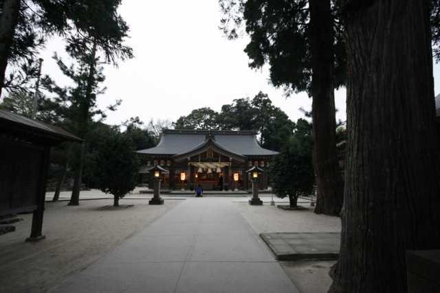 出雲の旅5:八重垣神社の鏡の池占い&美のお守り「椿ストラップ」_d0339885_13452247.jpg