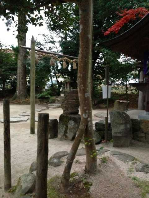 出雲の旅5:八重垣神社の鏡の池占い&美のお守り「椿ストラップ」_d0339885_13452265.jpg