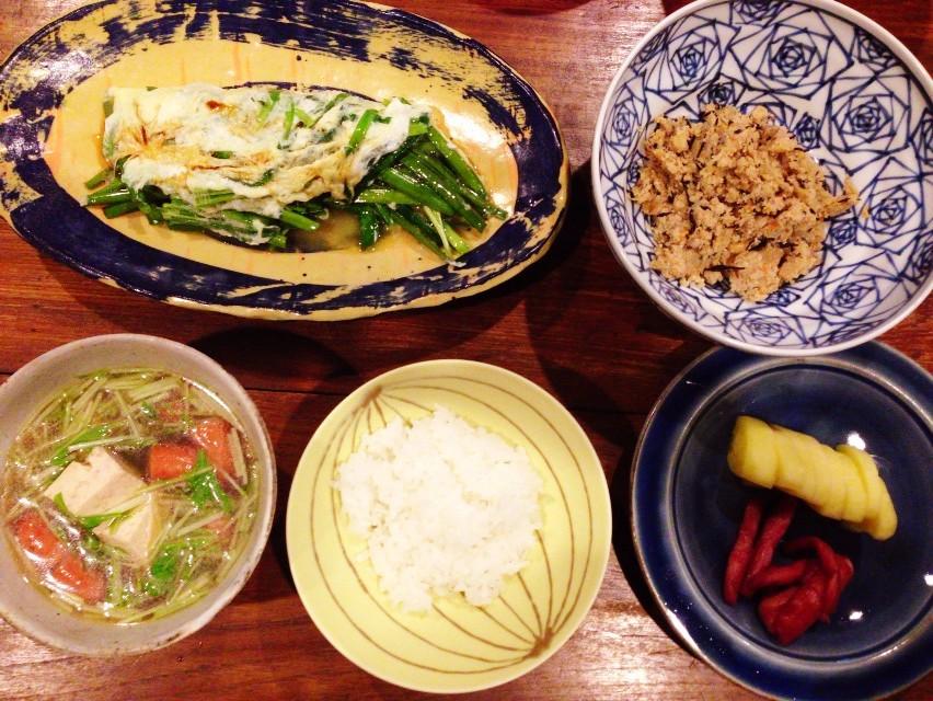 夫が作ったブランチ:ソーセージと水菜のスープ_d0339885_13452503.jpg