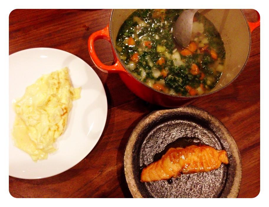 夫が作った晩ご飯:billsレシピのスクランブルエッグ_d0339885_13455389.jpg