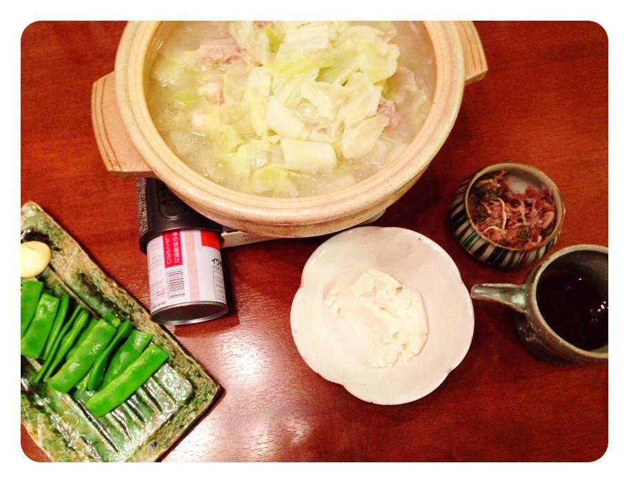 夫が作った晩ご飯:体調悪いから、にんにく鍋_d0339885_13460784.jpg