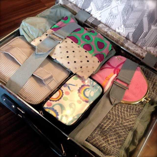 旅の荷物はこんな感じでパッキング:グローブトロッター&トートバッグ_d0339885_13461411.jpg