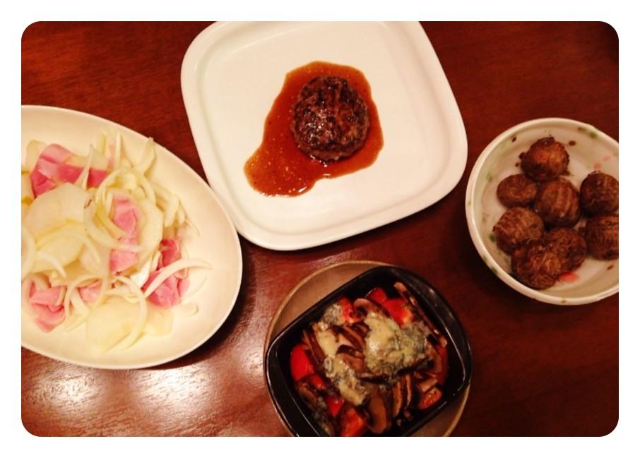 夫の作った晩ご飯:ブラウンマッシュルームとトマトとブルーチーズのグラタン_d0339885_13462953.jpg