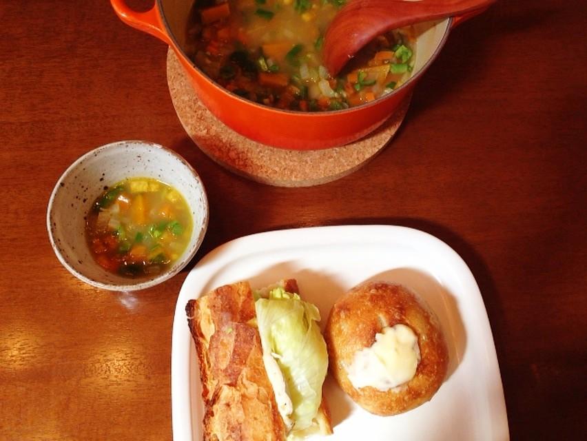 夫の作ったブランチ:野菜スープ_d0339885_13463079.jpg