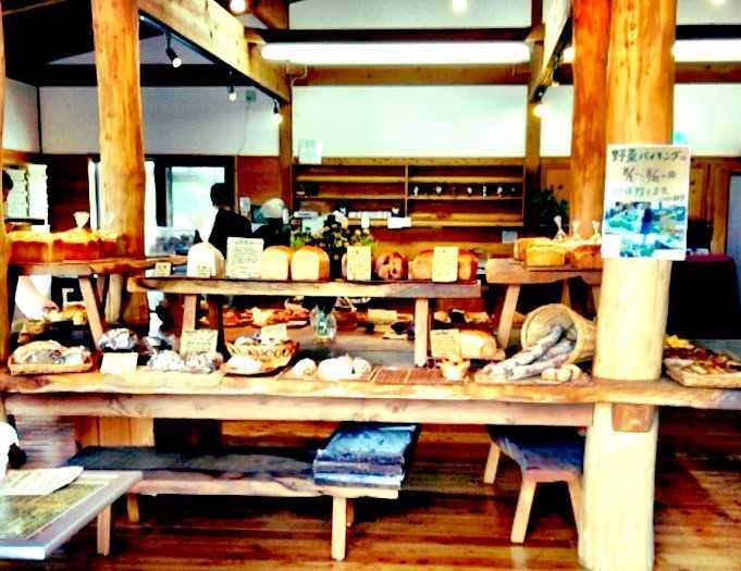 こんなに近くに美味しいパン屋が@銀亭 中軽井沢店_d0339885_13474136.jpg
