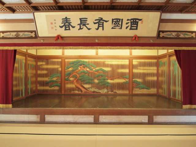 贅を凝らした建物と内装に魅了される:賓日館@伊勢_d0339885_13490603.jpg