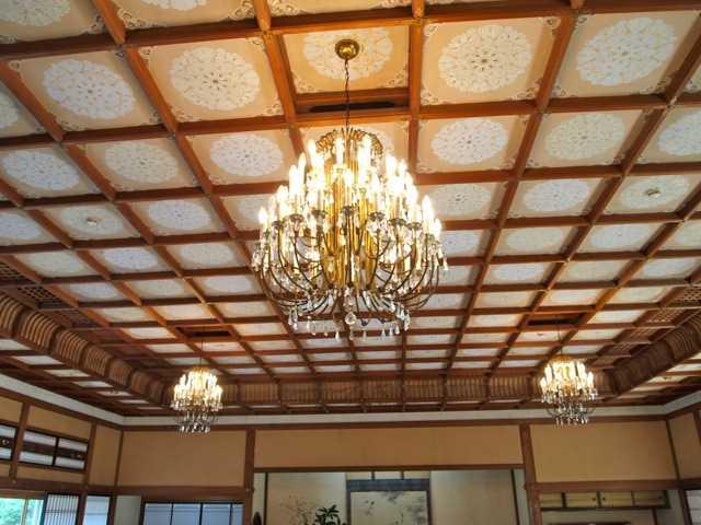 贅を凝らした建物と内装に魅了される:賓日館@伊勢_d0339885_13490651.jpg