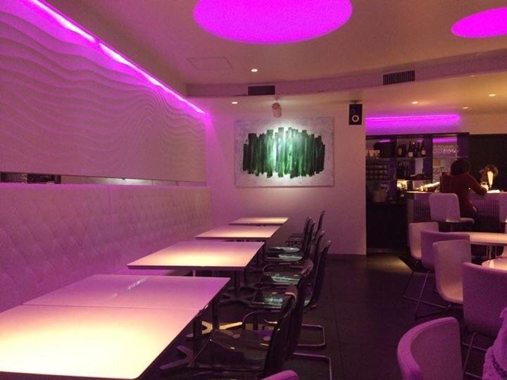 スタイリッシュなバーレストランへの作品 Decoration for stylish Bar & Restaurant_d0235101_13201622.jpg