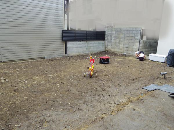 三世代の憩いのお庭。竣工から一年です。_a0139105_2025547.jpg
