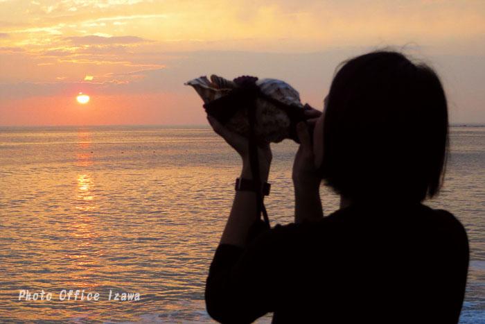 夕陽に向かって吹け!・・・法螺貝_c0181958_139513.jpg