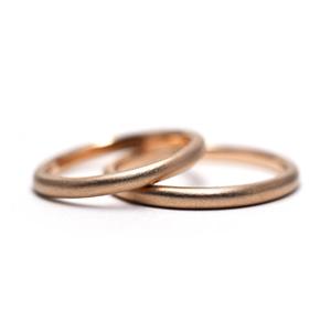 細いマット仕上げの結婚指輪_e0131432_11381218.jpg