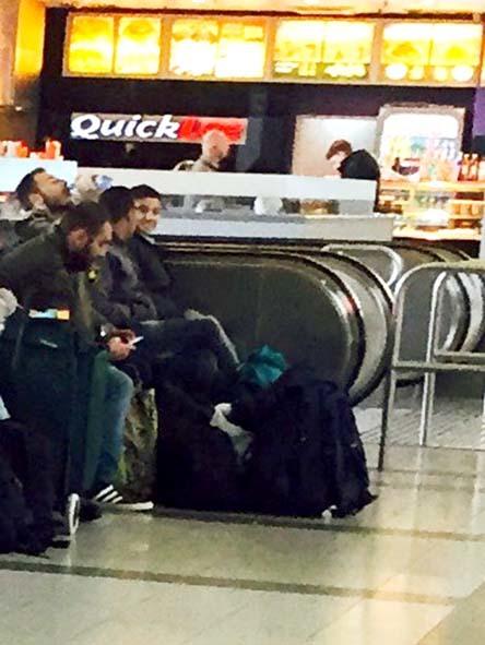 ウィーンにいらした難民の方々_c0352544_13280260.jpg