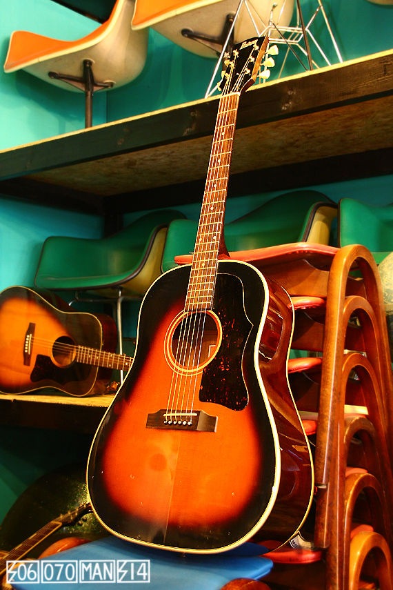 1970s Vintage Burny BJ60 J45モデル ラウンドショルダー 春日楽器_e0243096_13182660.jpg