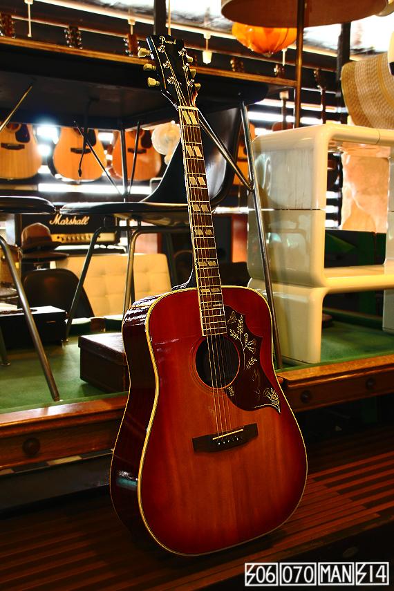 1970s Vintage PEARL ハミングバードモデル 林楽器_e0243096_13222229.jpg