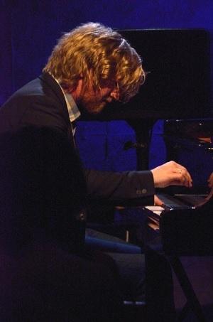 Helge Lien (ヘルゲ・リエン)ピアノ・ソロ・2015_e0081206_172736.jpg
