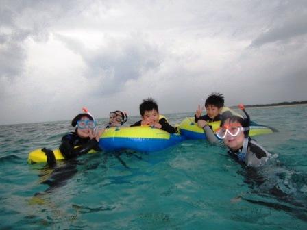 家族で楽しいスノーケリングタイム♪_a0189838_13562393.jpg