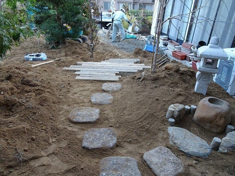 ■造園工事スタート■_e0188083_01193001.jpg