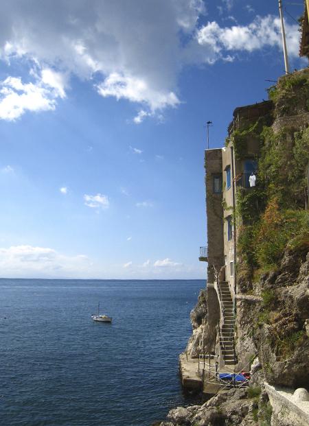 コンカ・デイ・マリーニ 1. 出し入れさえできれば絶景が拝めるホテルでありました♪♪_f0205783_18301954.jpg