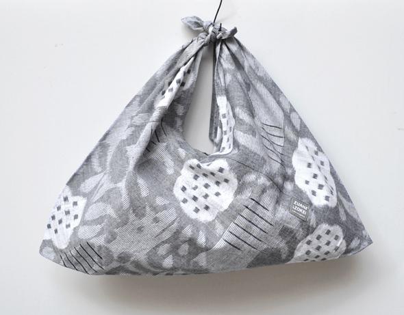 KASURI Cushion Cover & KASURI Bag / ZUAN&ZOKEI by Makoto Kagoshima_d0193211_1861481.jpg