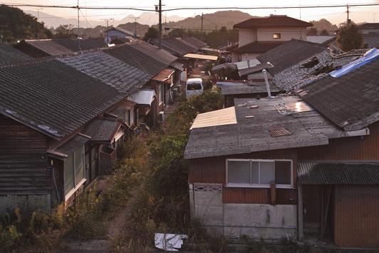 福岡県嘉麻市「漆生炭住」 : 風...
