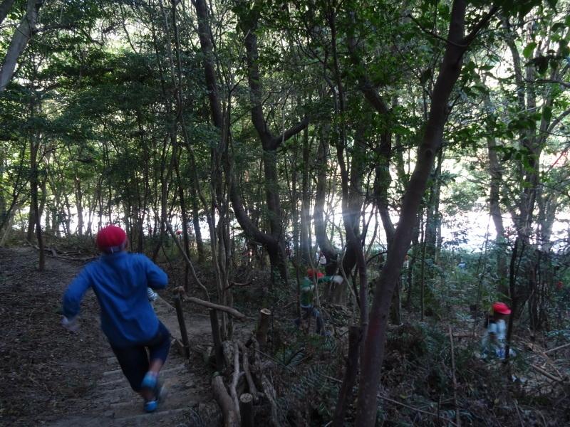 東光小学校4年生遠足「里山体験」サポート in うみべの森_c0108460_21303732.jpg