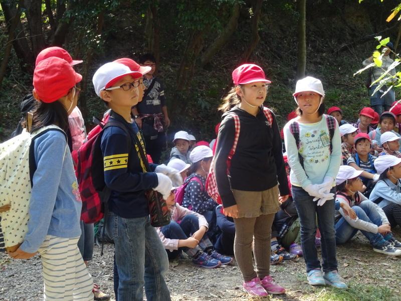 東光小学校4年生遠足「里山体験」サポート in うみべの森_c0108460_21494727.jpg