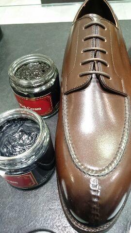 二色以上ある靴のクリームは…?_b0226322_20325348.jpg