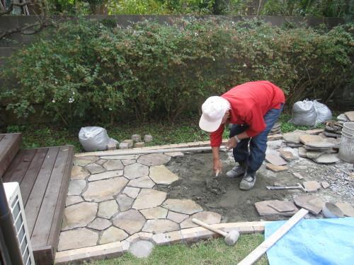 お庭の工事やっと終了です。_e0350927_16311143.jpg
