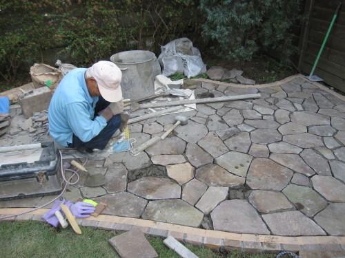 お庭の工事やっと終了です。_e0350927_16320621.jpg