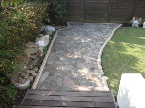 お庭の工事やっと終了です。_e0350927_16324454.jpg