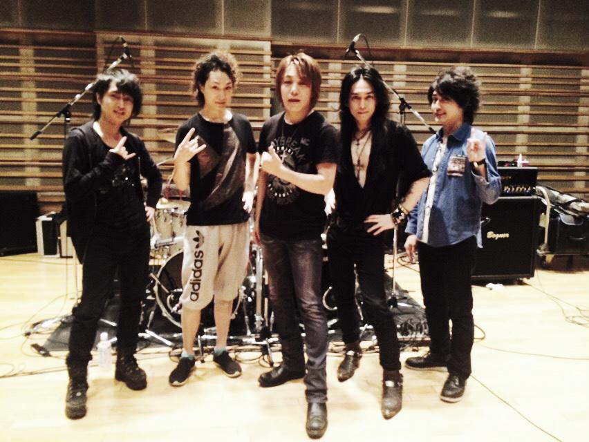 明日!『DESTINY CALLING Vol.1 -アニソン meets ロック!!!』_e0115242_15123281.jpg