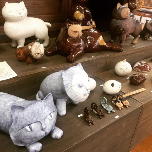 陶芸家のつくる猫たち_f0156861_18324015.jpg