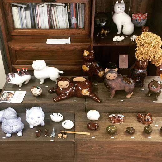 陶芸家のつくる猫たち_f0156861_18324088.jpg