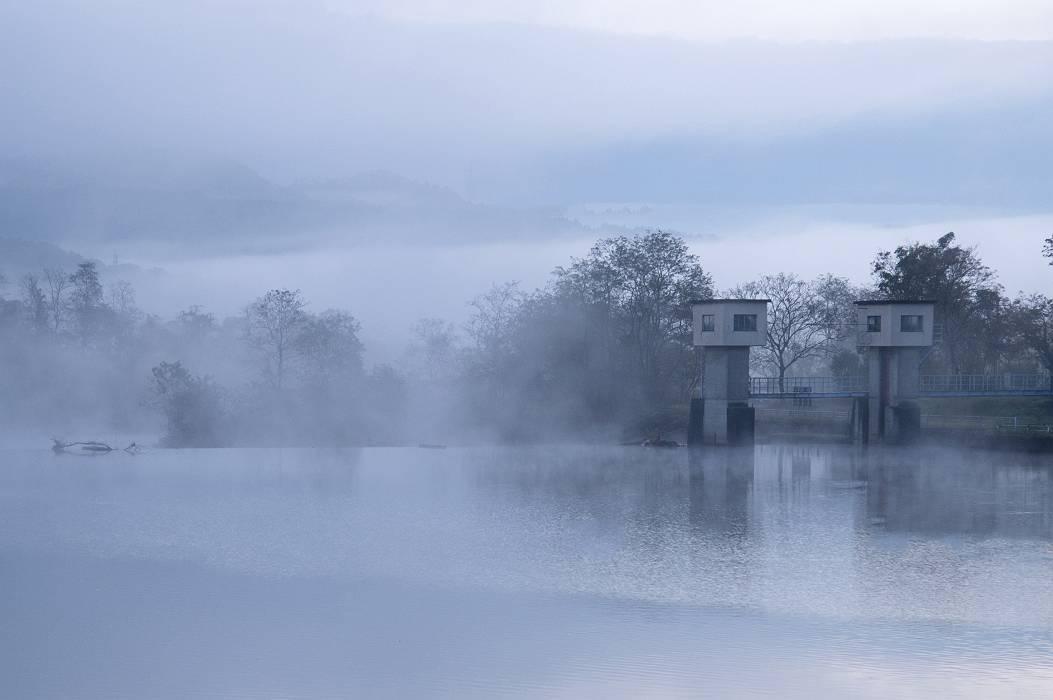霧かすみし・・・_e0271864_18294922.jpg