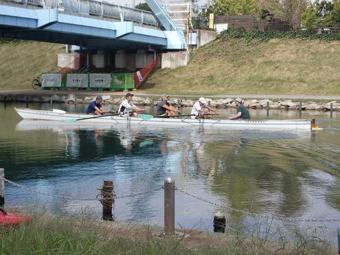 徒歩10分で川まで。_c0249569_1103716.jpg
