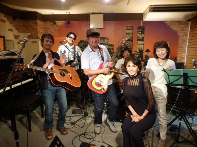 2015年9月21日、MayumiさんZOEでの、最後のカラフルライブでした。_e0188087_18455890.jpg