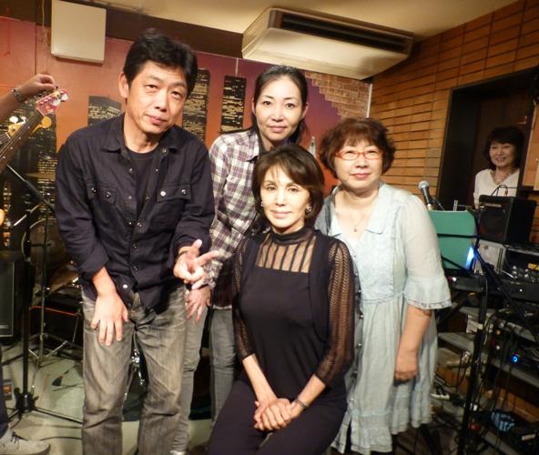 2015年9月21日、MayumiさんZOEでの、最後のカラフルライブでした。_e0188087_18475956.jpg