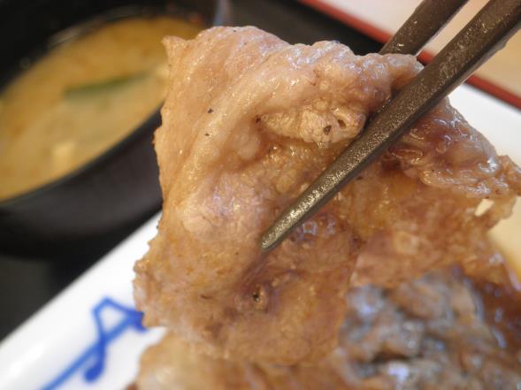 松屋の牛焼肉定食    布施南店_c0118393_10124857.jpg