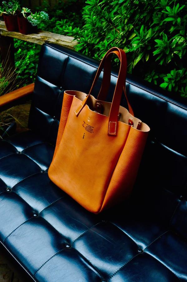 leather tote_b0172633_20385075.jpg