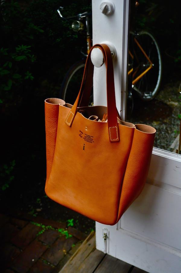 leather tote_b0172633_20385984.jpg