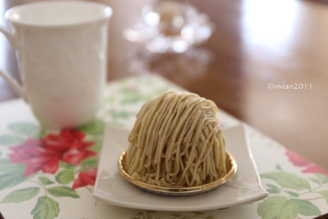 フランス菓子 グゥ(goùt) ~季節限定モンブラン~_e0227942_19325851.jpg