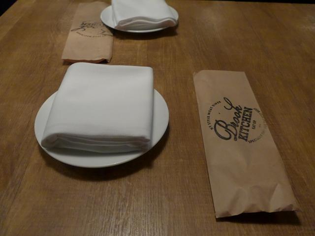 神田「ブルックキッチン」へ行く。_f0232060_18225592.jpg