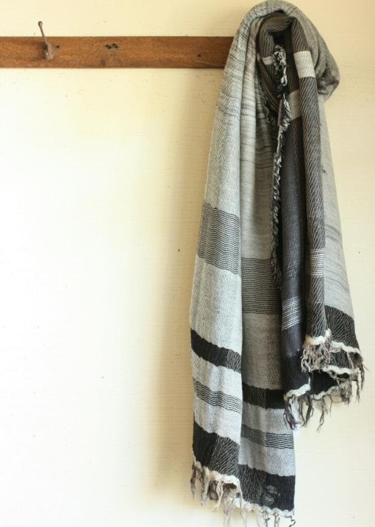 tamaki niime  roots shawl BIG wool _c0118809_00024309.jpg