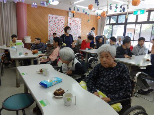 11/25 日曜喫茶_a0154110_1135265.jpg