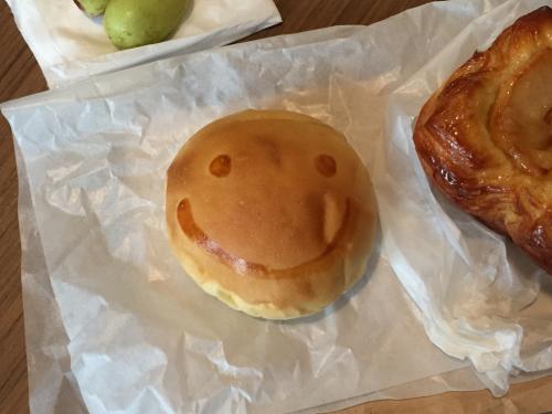 15年SWソウル  11★LE ALASKAのスマイルパンで朝食_d0285416_22550867.jpg