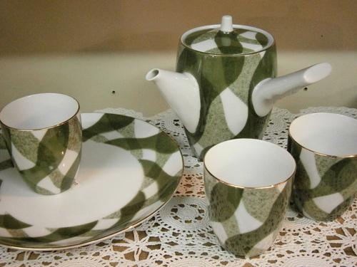 可憐なカップや、モダーンな湯呑み☆_e0199317_2232760.jpg